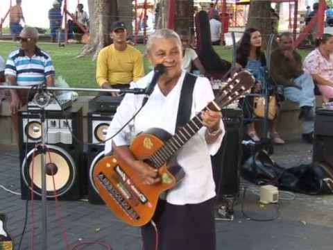 Cantora Creuza de Oliveira