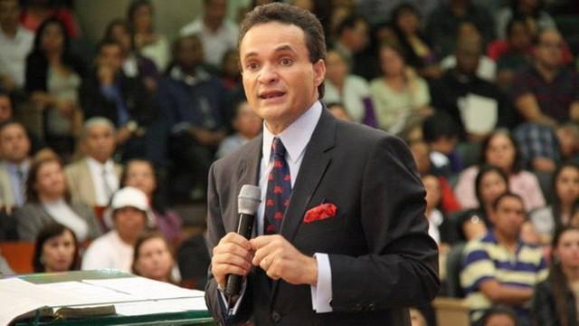 Crise: Bispo Samuel Ferreira perde mais um deputado