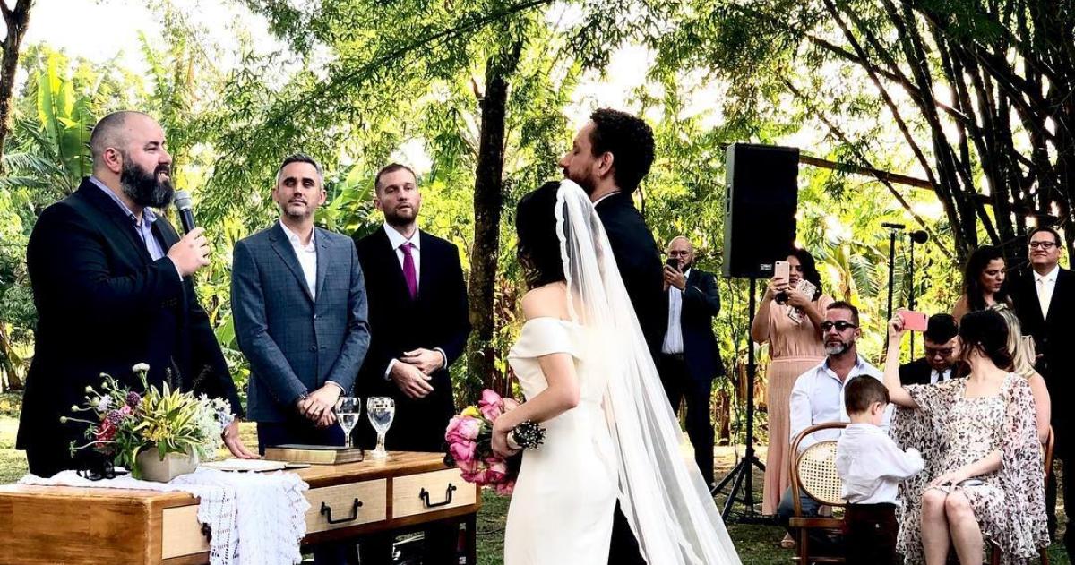 Após três anos separado Leonardo Gonçalves se casa novamente em cerimônia secreta
