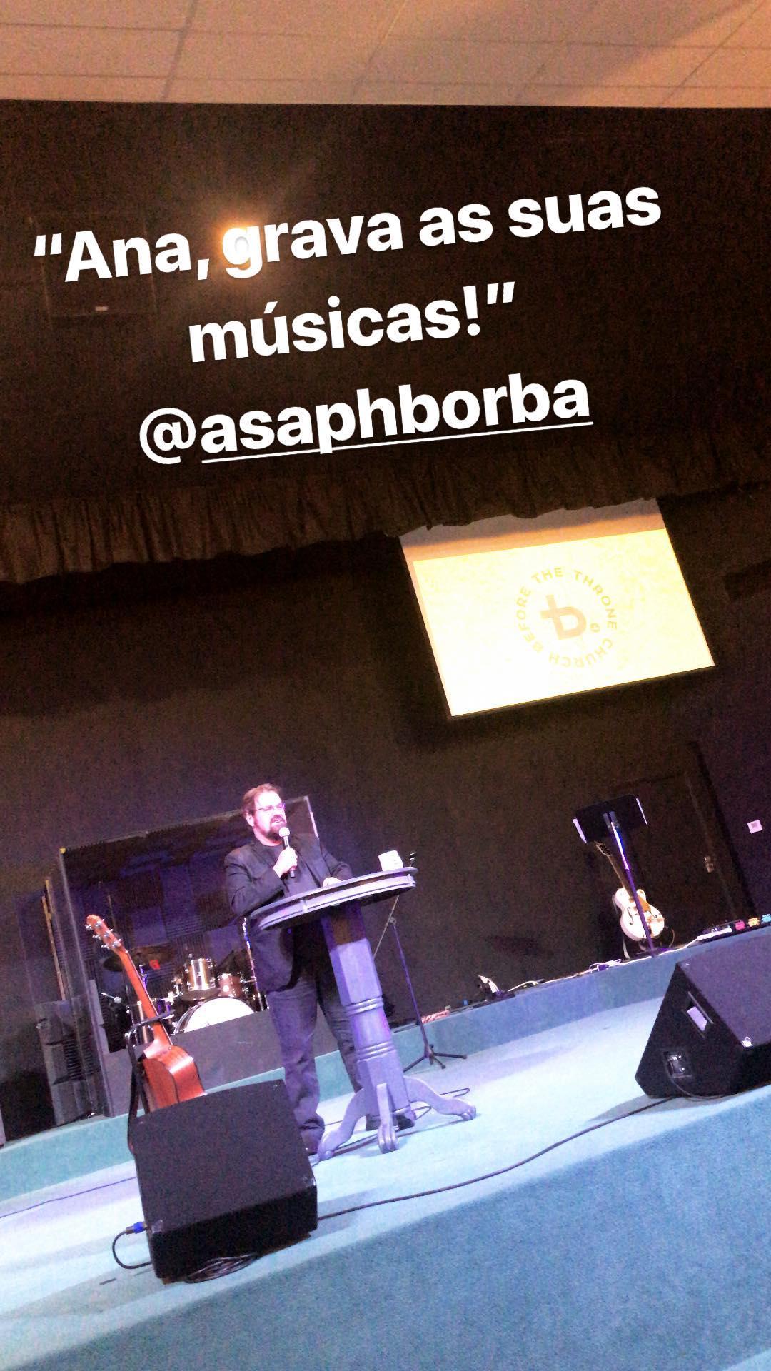 Asaph Borba sobre Ana Paula Valadão