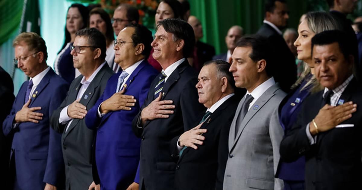 Jair Bolsonaro vai à festa de 108 anos da Assembleia de Deus no Brasil