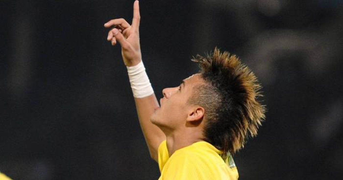 Capa de revista esportiva traz Neymar crucificado
