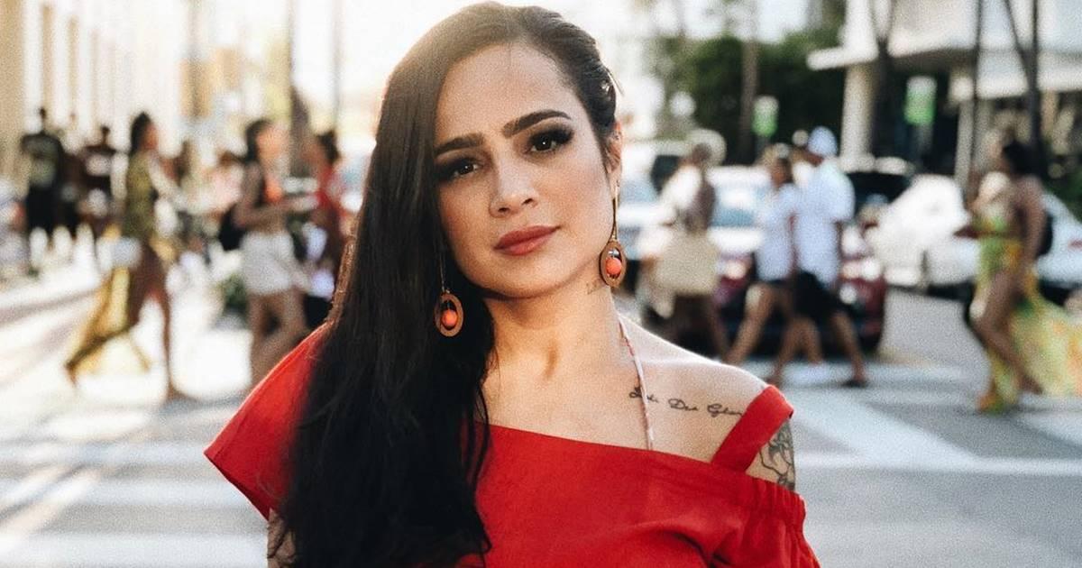 Daniela Araújo faz homenagem emocionante para blogueira que cometeu suicídio