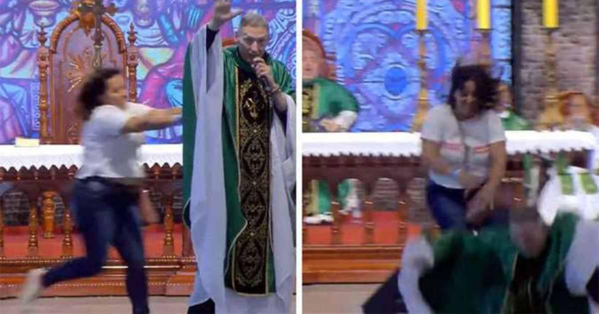 Urgente! Padre Marcelo Rossi é atacado e derrubado do palco durante missa
