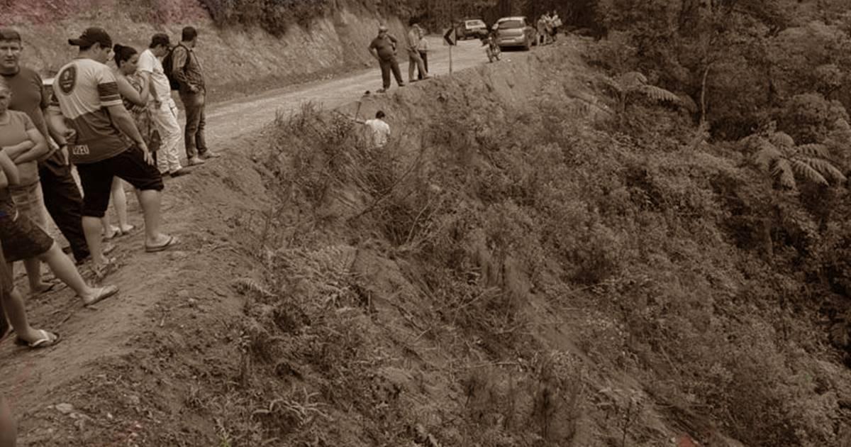 Tragédia: Pastor e mais cinco fiéis morrem em grave acidente de carro