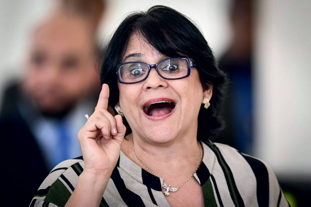 Ministra Damares Alves