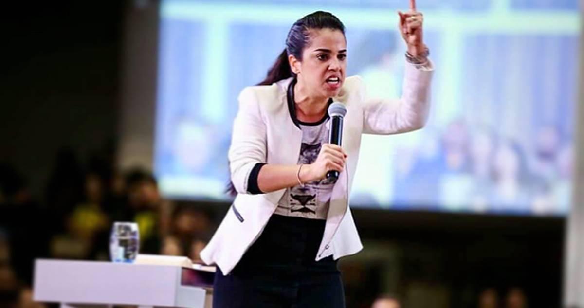 Missionária Camila Barros é vítima de crime virtual