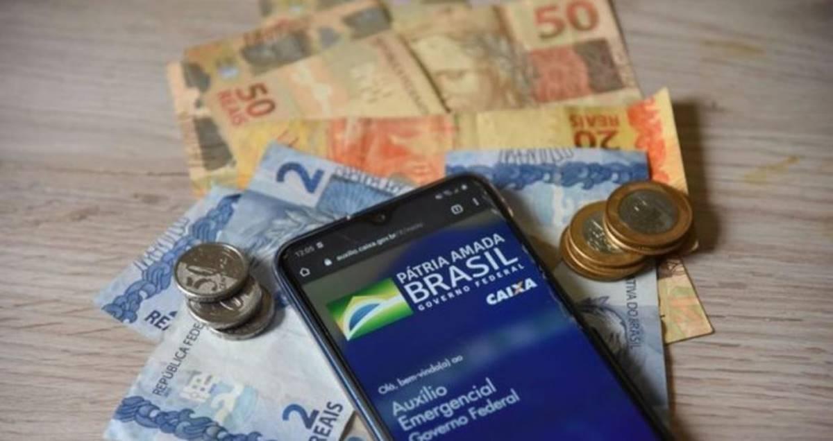 Pastora cobra dízimo do auxílio emergencial (imagem da internet reprodução)