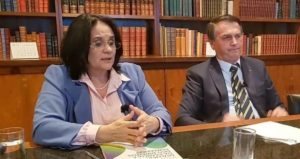 Damares Alves e Jair Bolsonaro (Reprodução)