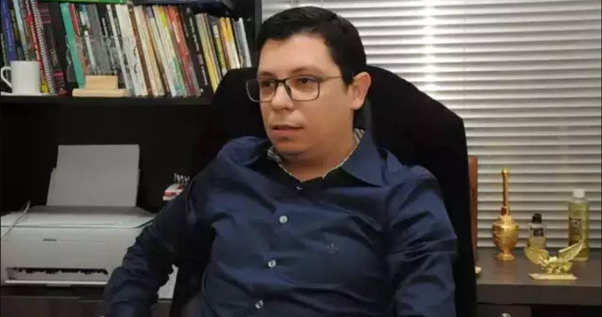 Pastor investigado por realizar culto com aglomeração está internado com Covid