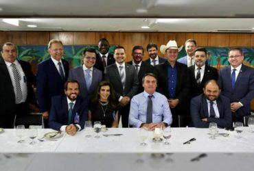 Presidente Bolsonaro com pastores