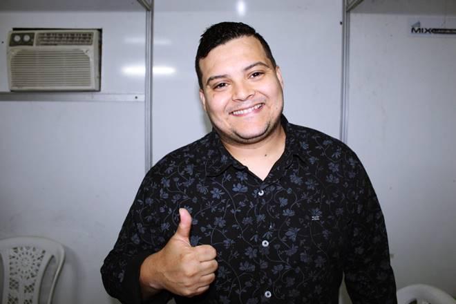 Jedson Aguiar, vocalista da banda Som e Louvor