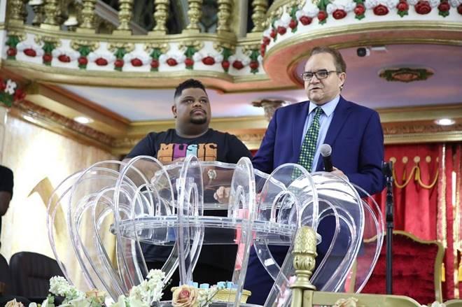 Após polêmica, Lukas Agustinho é recebido na Assembleia de Deus Madureira