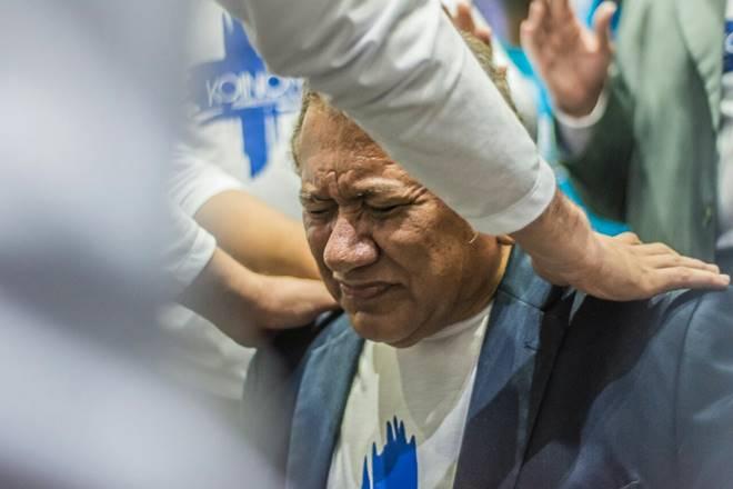 Fiéis pedem expulsão do pastor Antônio Dionízío da Assembleia de Deus após vídeo com amante
