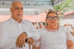 Mattos Nascimento e a esposa