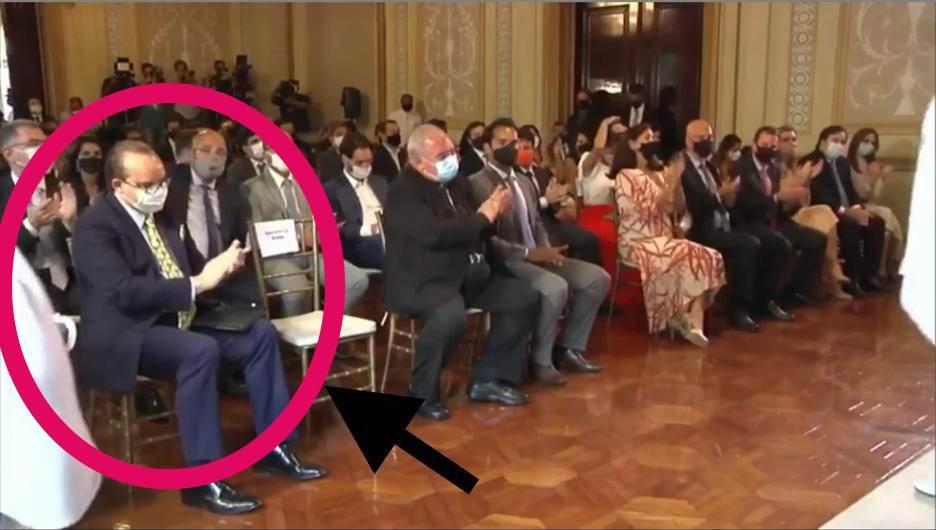 Escândalo: Vídeo flagra bispo Abner Ferreira aplaudindo Pai de Santo