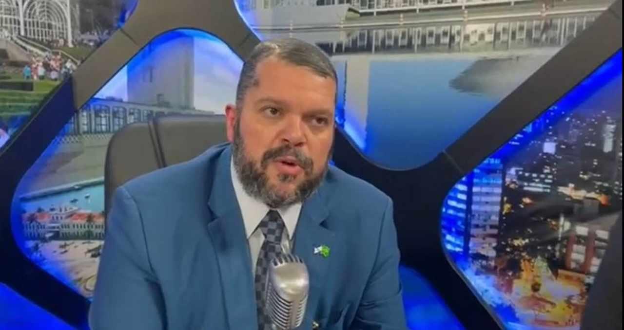 Agenor Duque denuncia perseguição do PT às igrejas evangélicas
