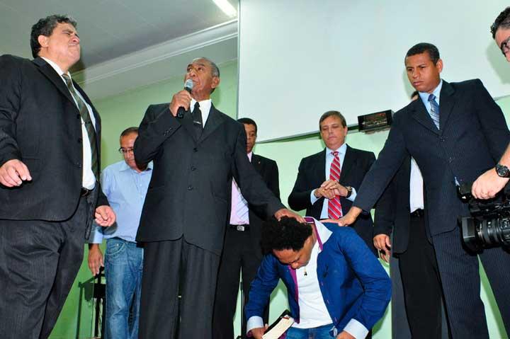 pastor Job Roberto da Silva e Thalles Roberto