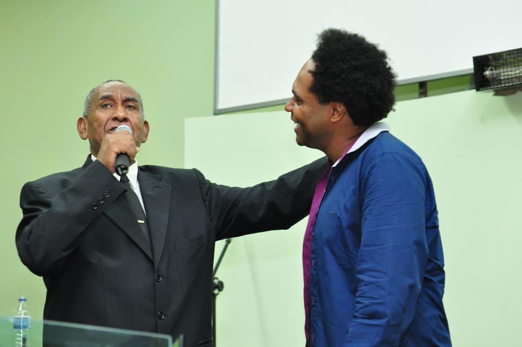 Morre o pai do cantor Thalles Roberto, aos 85 anos