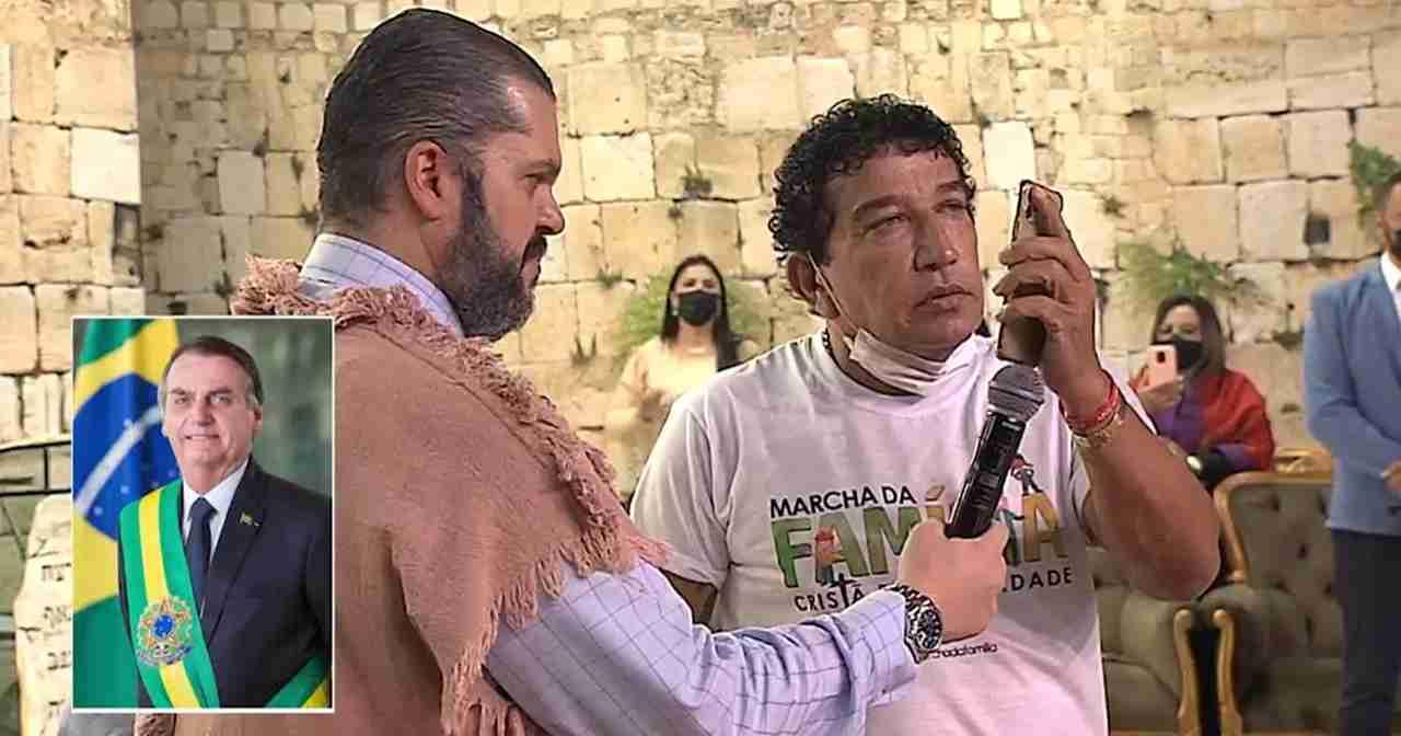 Bolsonaro liga para Agenor durante culto e pede oração