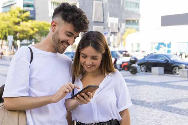 Evangélicos estão ganhando até R$400 por dia com aplicativo que paga pra quem assiste vídeos