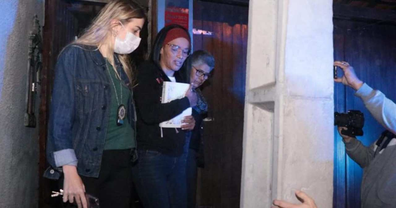 Após cassação, Flordelis é presa acusada de matar o marido
