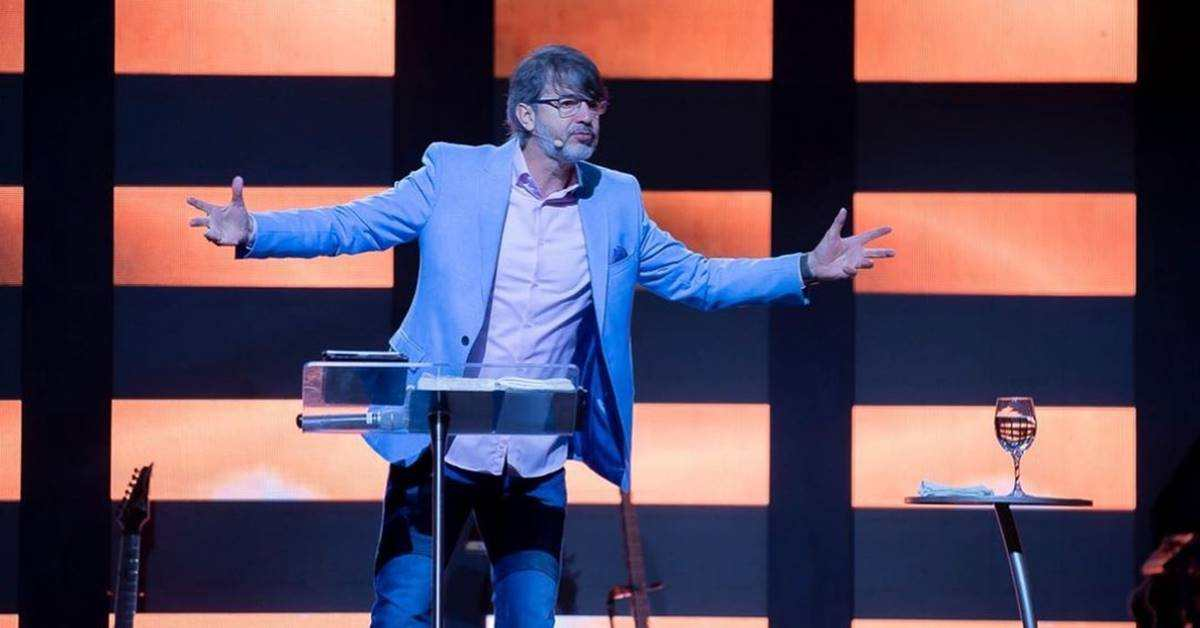 Pastor Alexandre Silva prepara caravana para viagem à Israel