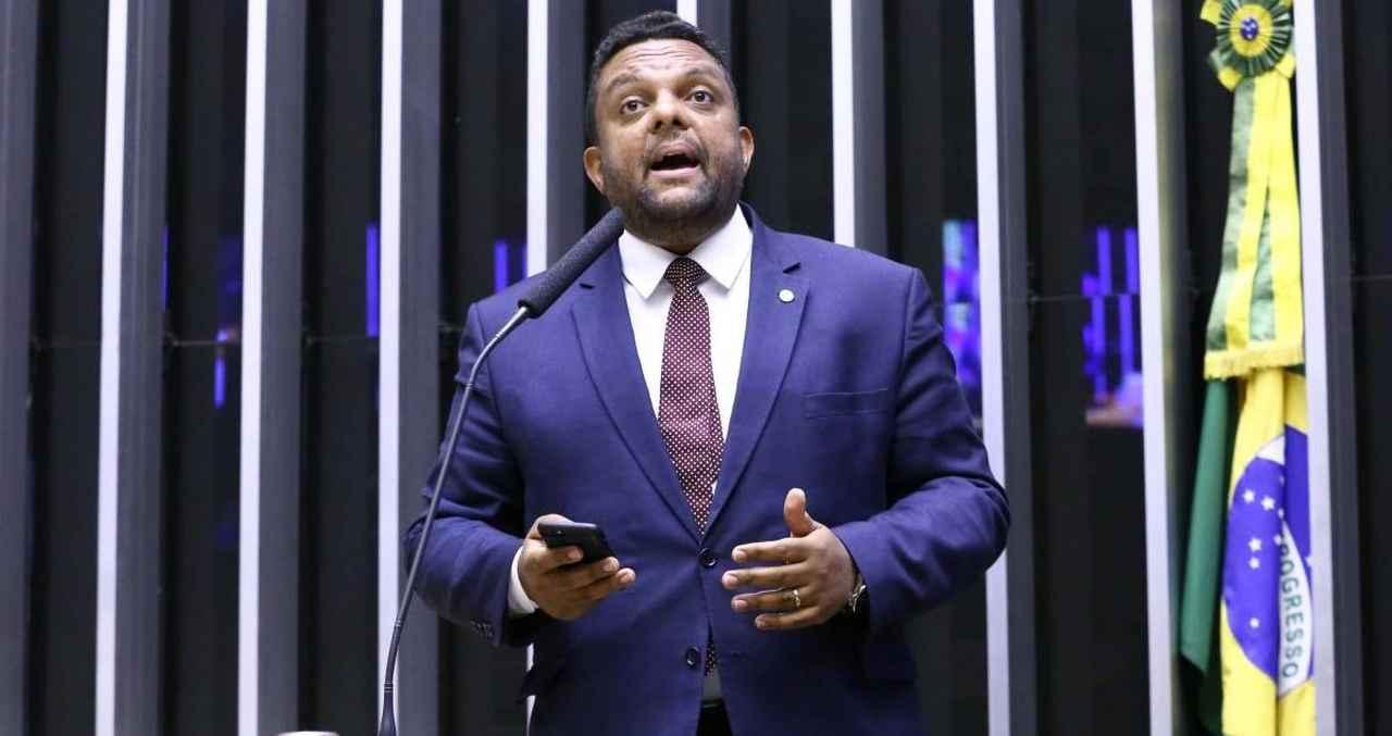 """Otoni de Paula se frustra após nota de Bolsonaro: """"O senhor ficou pequeno"""""""